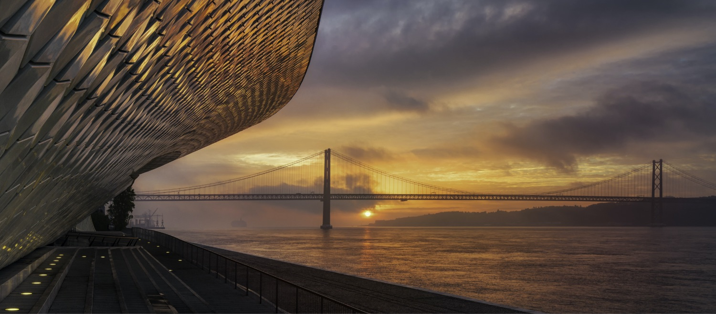 Conheça os fatores determinantes para viver e trabalhar em Portugal.