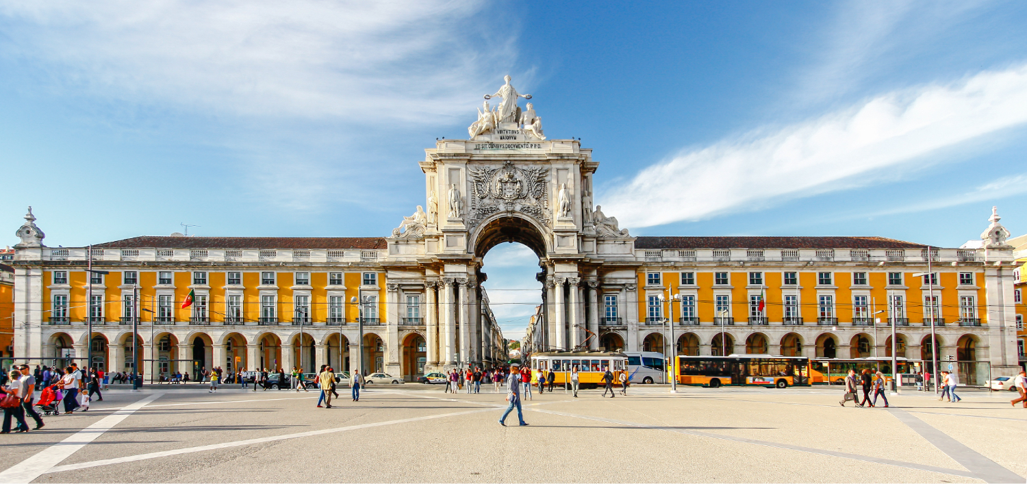Learn about the determining factors for investing in real estate in Portugal.